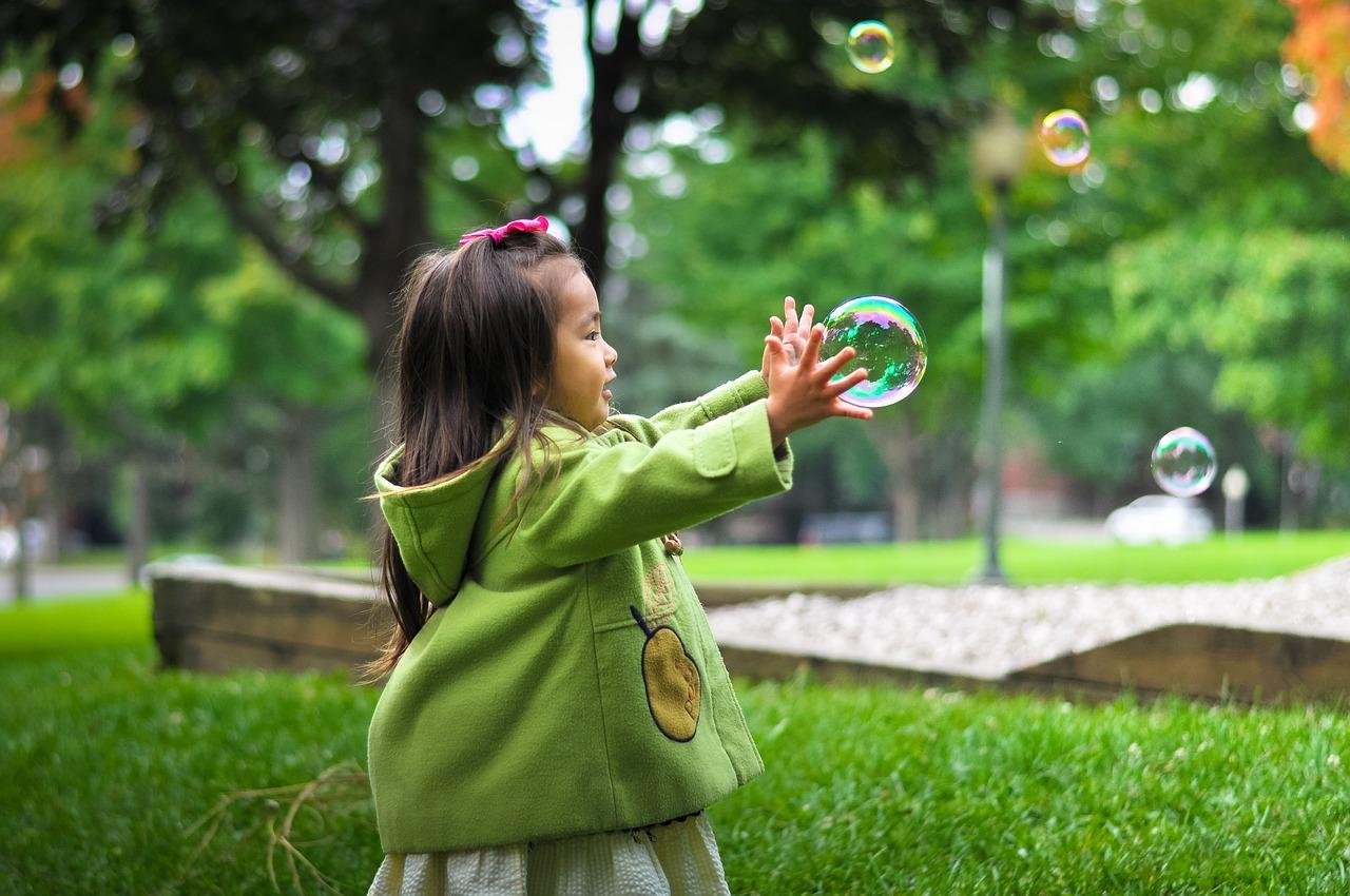Mieux vaut garder ses enfants dans le jardin