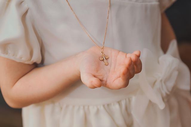 Tout ce qu'il faut savoir sur les médailles de baptême